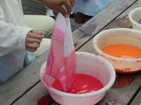 3歳児 「染め紙あそび」
